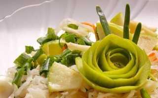 Салат з квашеної капусти з яблуком і зеленою цибулею. Покроковий рецепт з фото
