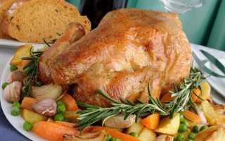 Як запекти курку в духовці у фользі, рукаві, з картоплею, рецепти з фото, відео